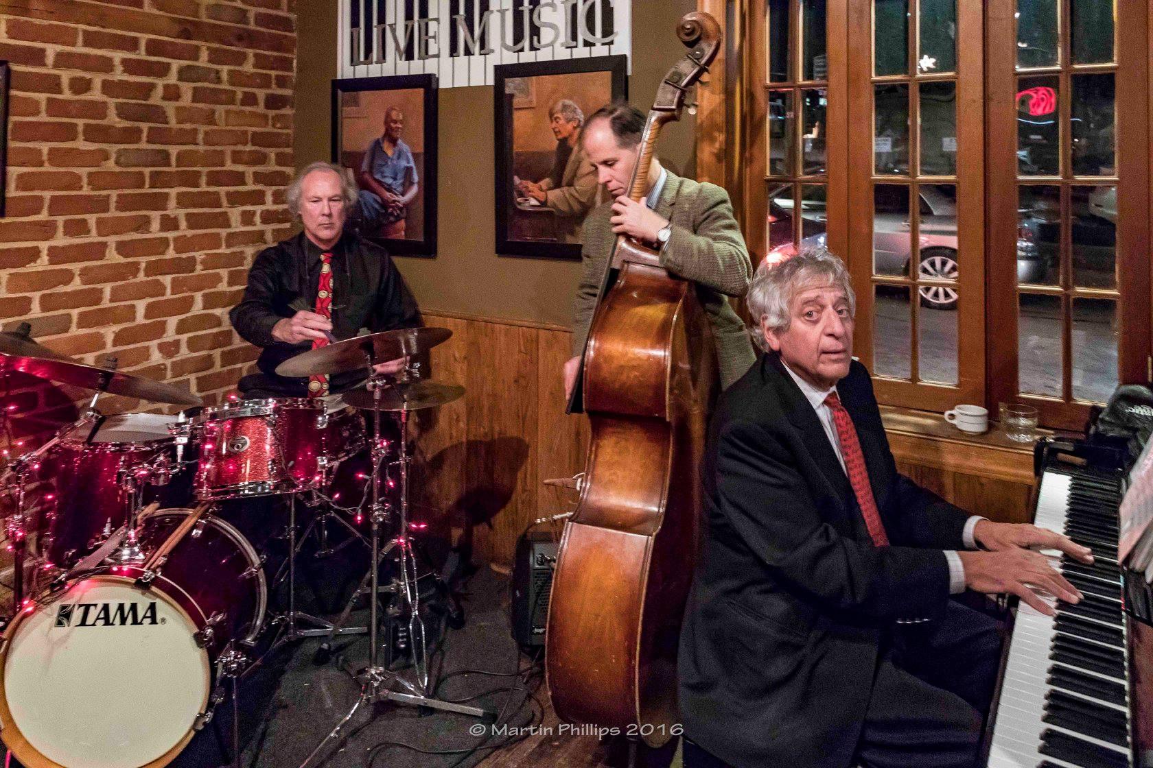 Bob Benetta Trio