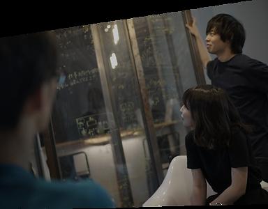 youtube企業公式チャンネルのコンサル・プロデュース・運用代行を行う映像制作会社の芸人募集ページの制作チーム会議風景写真