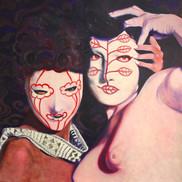 Juliet et Margaret dans des masques papier-mâché