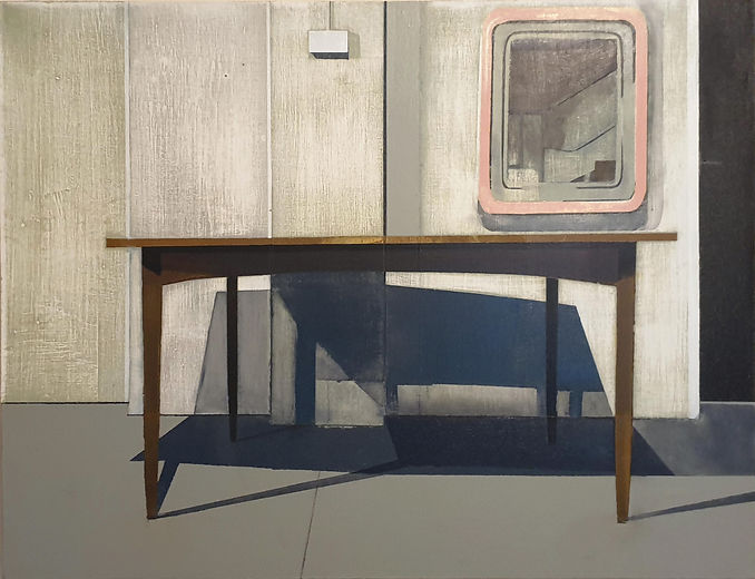 DINING TABLE WITH MIRROR