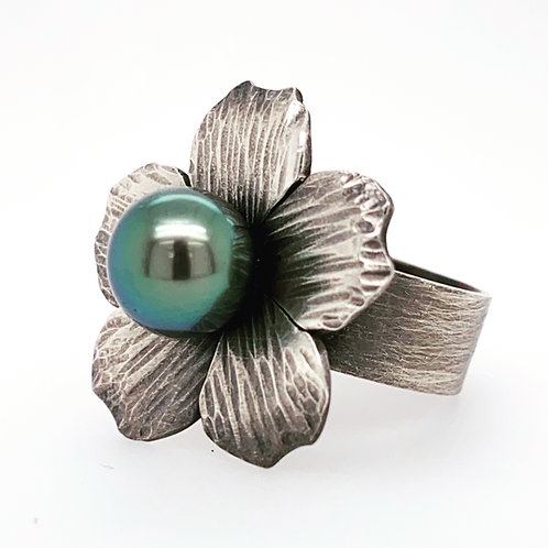Forged and Flower Ring with Tahitian Pearl