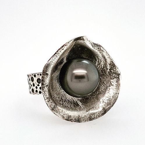 Tahitian Pearl Clamshell Ring
