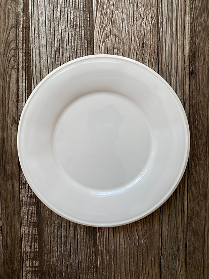 Entree Plate, White/Off-White