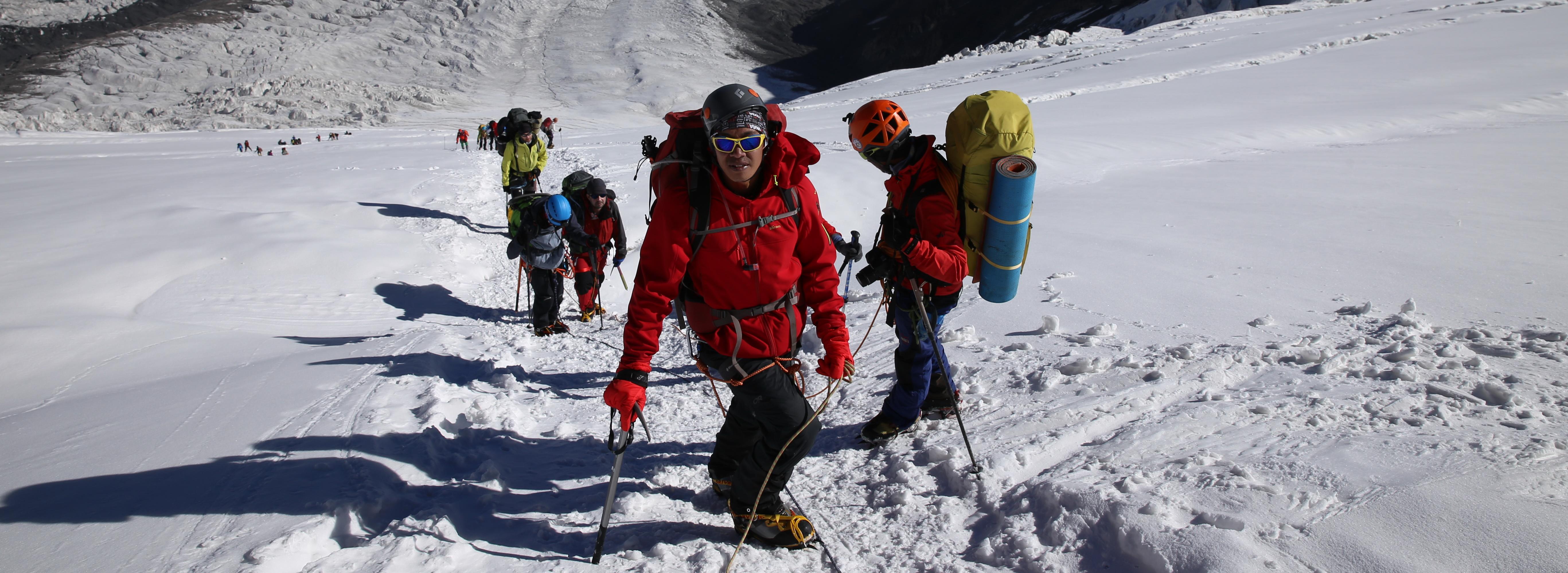 Peak Lenin - ascent to camp 2