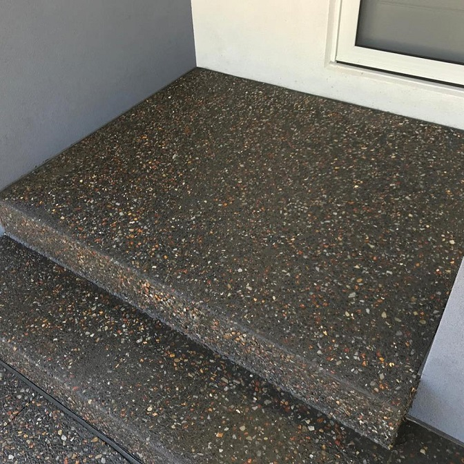 Exposed-concrete-steps.jpg