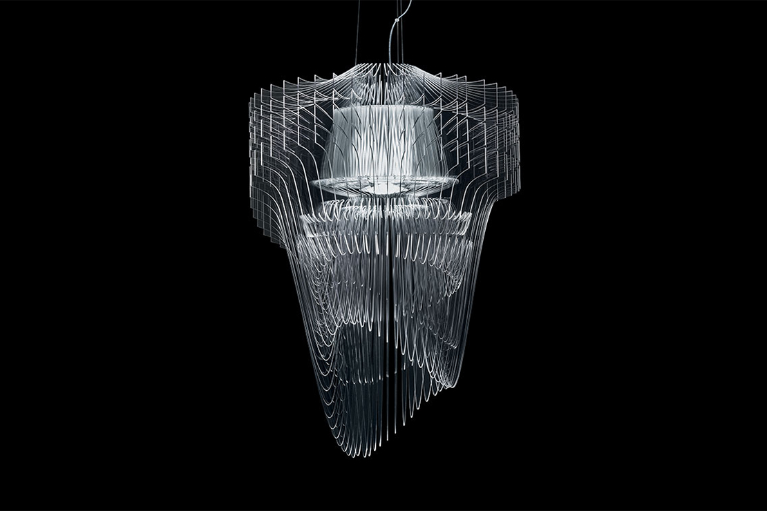 zaha-hadid-designs-the-aria-transparent-chandelier-for-slamp-0