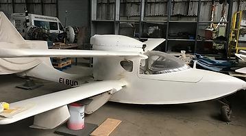 White-Seaplane-Sea-Hawker.webp