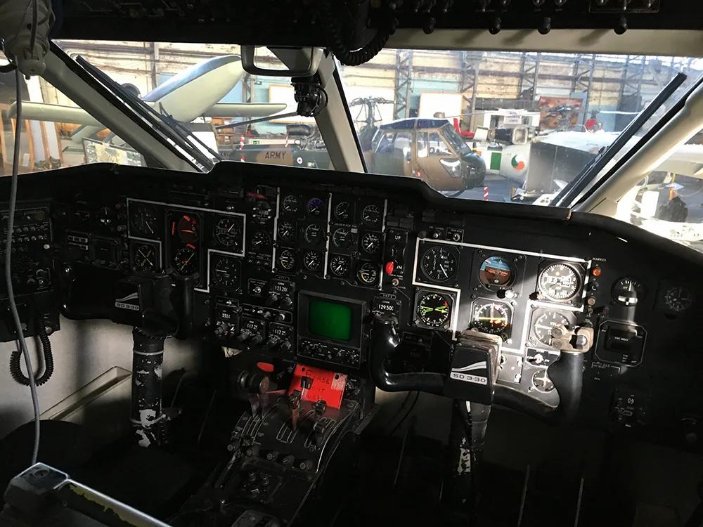 Shorts-SD330-Hangar-Instruments-IMG_2990