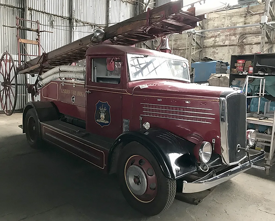 Dennis-Light-Four-Fire-Engine-Hangar-A-2