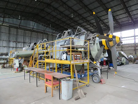 Fairey-Gannet-Hangar-03-SHeg.webp