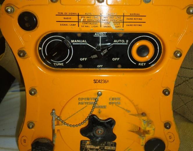 Fred-Jennings-Radio-Room-Hangar-03-Bendi