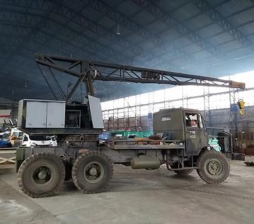 Thorneycroft-Amazon-Coles-Crane-Hangar-2