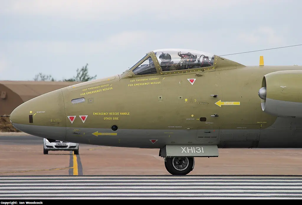 Canberra-PR9-History-15-Taxiing-Nose.web