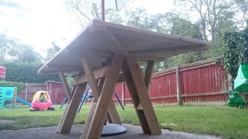 Dev255 - Garden Table - NoMet - 509