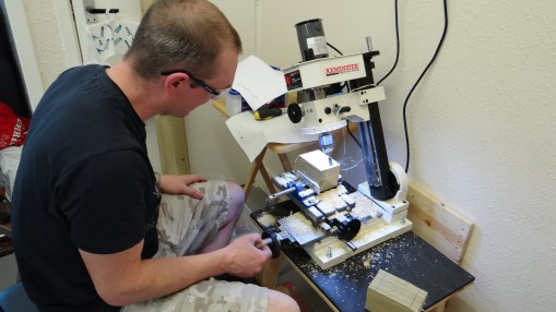 Dev255 - Milling with a router - NoMet -