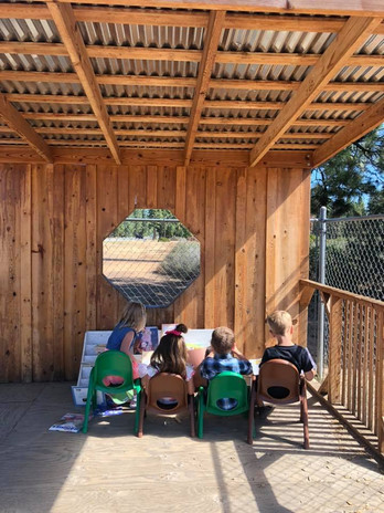 Learning to read outdoors