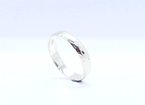 Hammered Curved Band 4mm