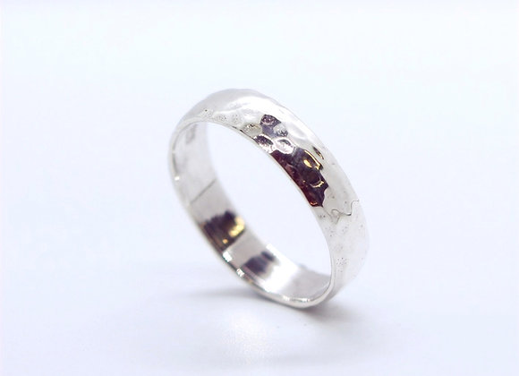 Hammered Curved Band 5mm