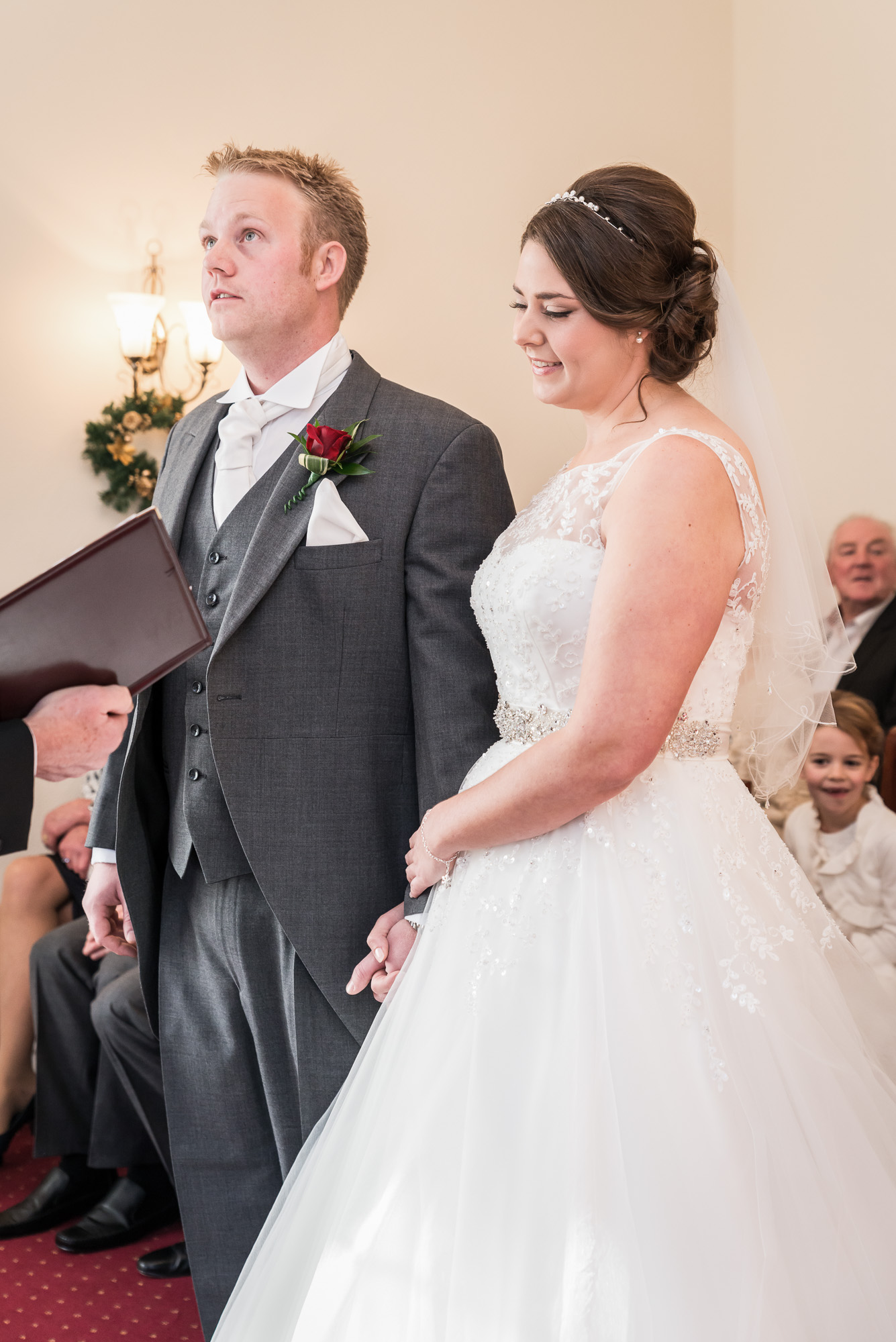 Mold Registry Office Wedding Photo