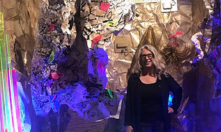 Alison Woods Ali Woods artist absctract painter sculpture curating  Art Trends         Artist of the Year installations  Modern artist comtemporay artist  exhibited Internationally  California, USA