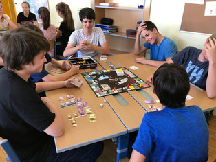 2 Klassen-4 spannende Spielstunden mit Lernerfolg!