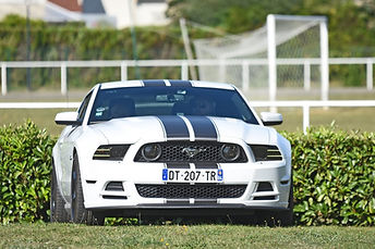 Photo ford mustang rtr rallye voiture américaine en france