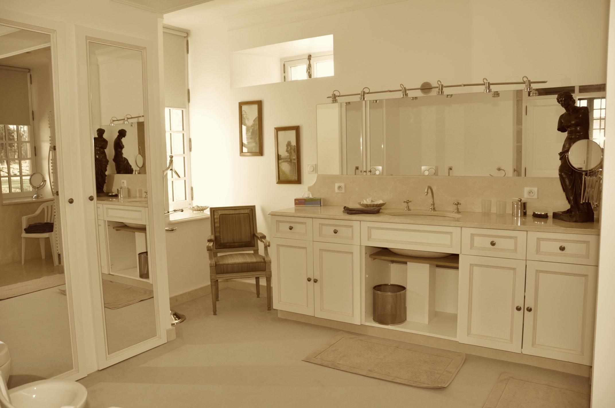 Bathroom green bedroom