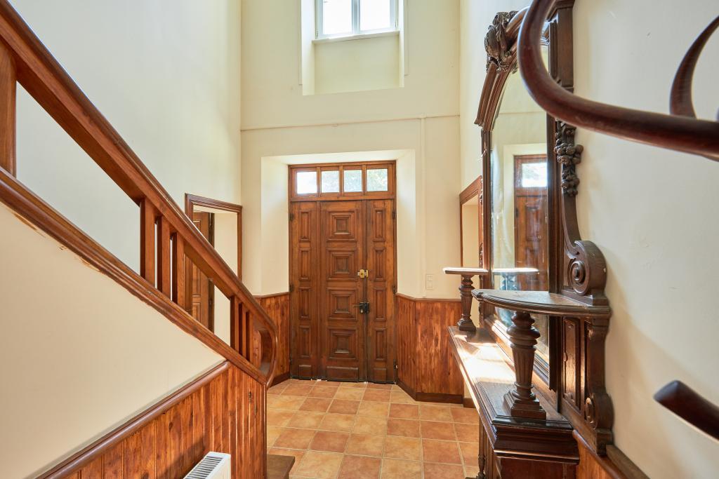 Entrance Hall - Entrance 2