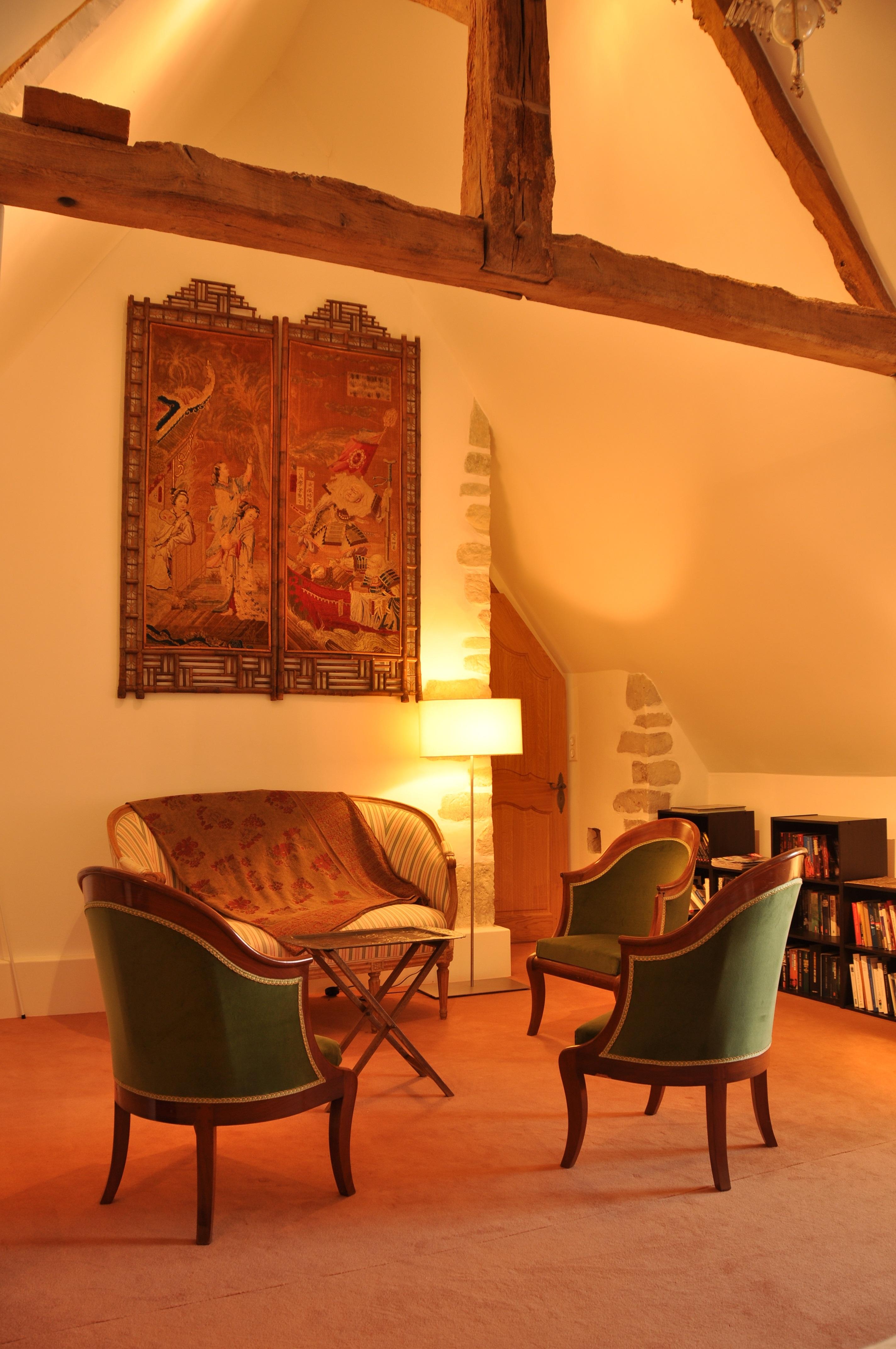 The Cardinal bedroom