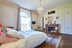 Balcon double bedroom