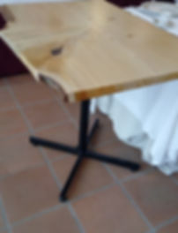 table en cèdre.jpg