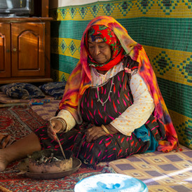 Zeira, is retired and suffer from arthritis after over twenty years of collecting sea shells in cold season and with no protection. With no insurance or retirement plan, Zheira rely mainly on government help as she lives under poverty level, with Sidi Makhlouf, Tunisia.