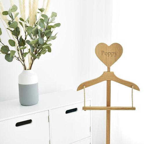 Junior Stand Engraved Natural Oak Heart