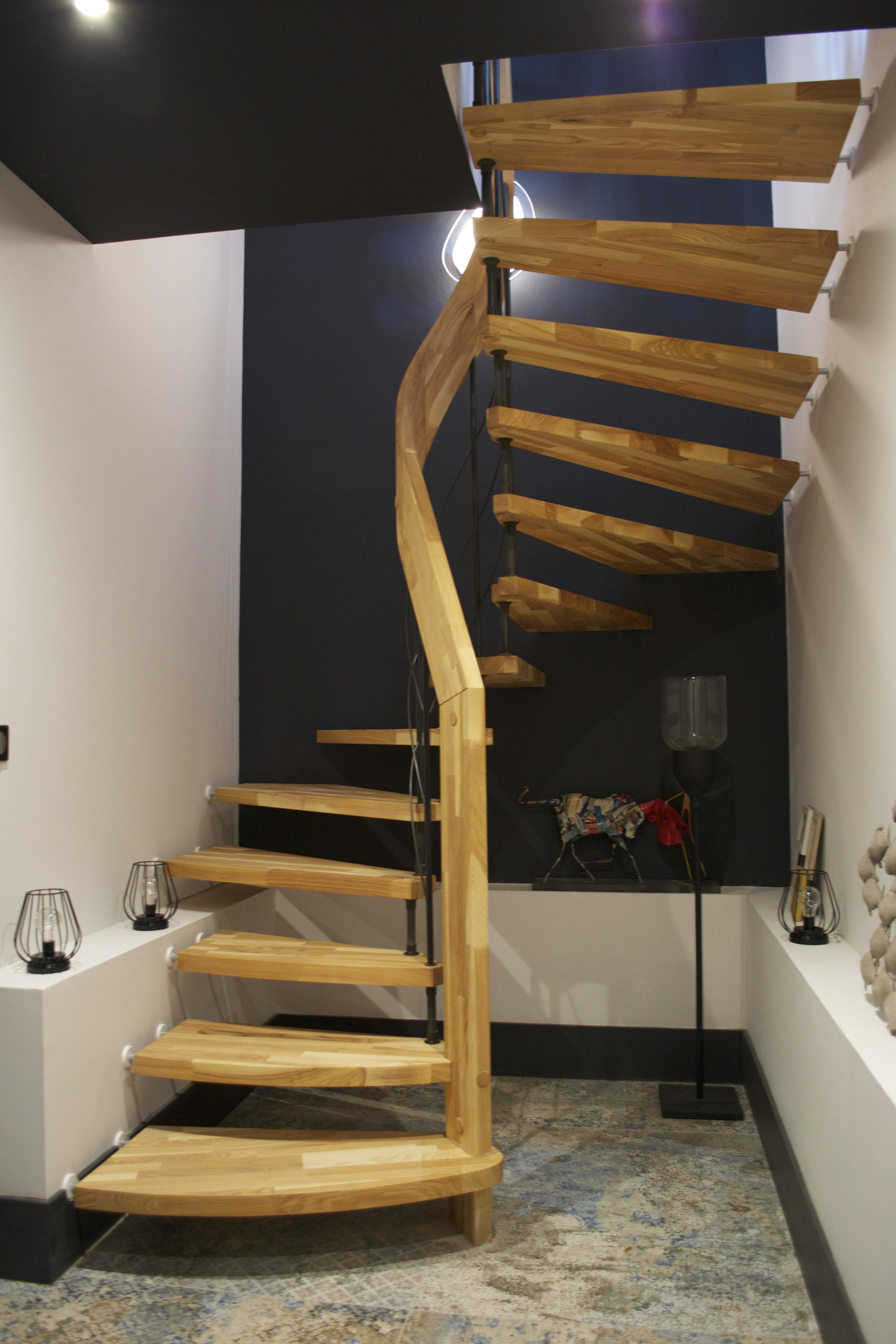 Escalier courbe frêne olivier