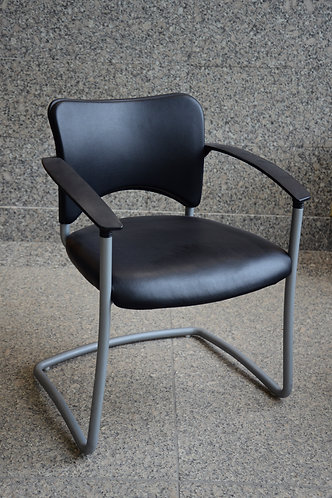 Amicus Chair by Teknion