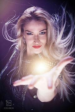 quick change act, lea kyle, magicienne bordeaux, quick change, numéro changement de costume, numéro de quick change, photo portrait