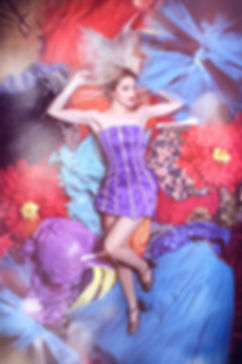 quick change act, lea kyle, magicienne bordeaux, quick change, numéro changement de costume, numéro de quick change, robes multicolors