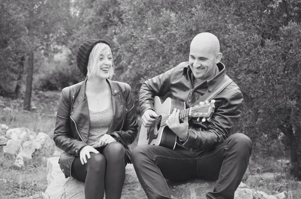 Laura & Sylvain - Guitar/Voices