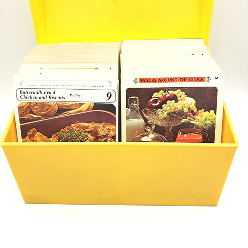 Vintage Betty Crocker's Recipe Card Library 1971 Complete Yellow Box