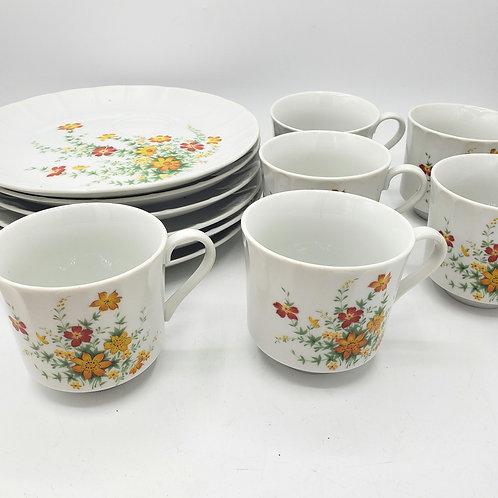 "Vintage 1970's Japan 8"" Snackplates w Teacups Hearthside Petit Floras Set of 6"