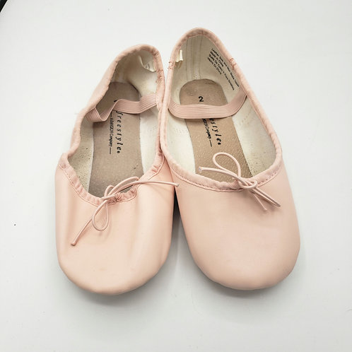 Freestyle by Danskin ballet slippers Size 2