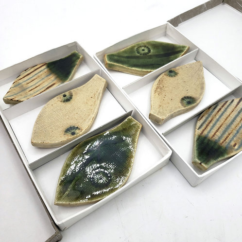 Ceramic Glazed Chopsticks Holders Leaves Set of 6 NEW