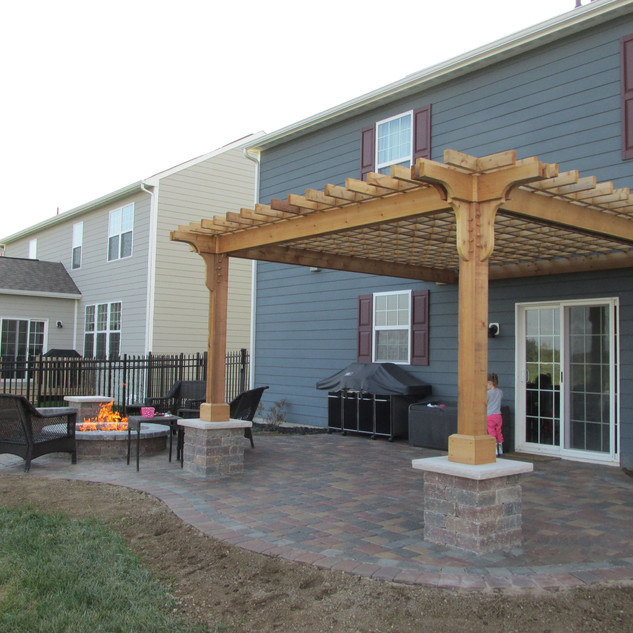 Dining & Firepit Spaces