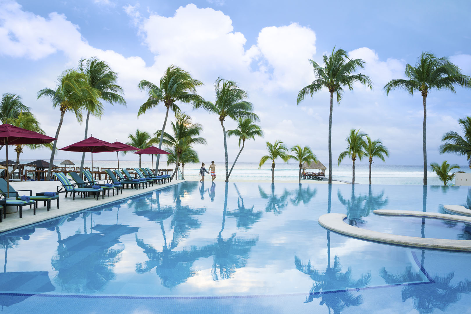 Azul Fives_Infinity_Pool