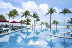 Azul Fives_Infinity_Pool