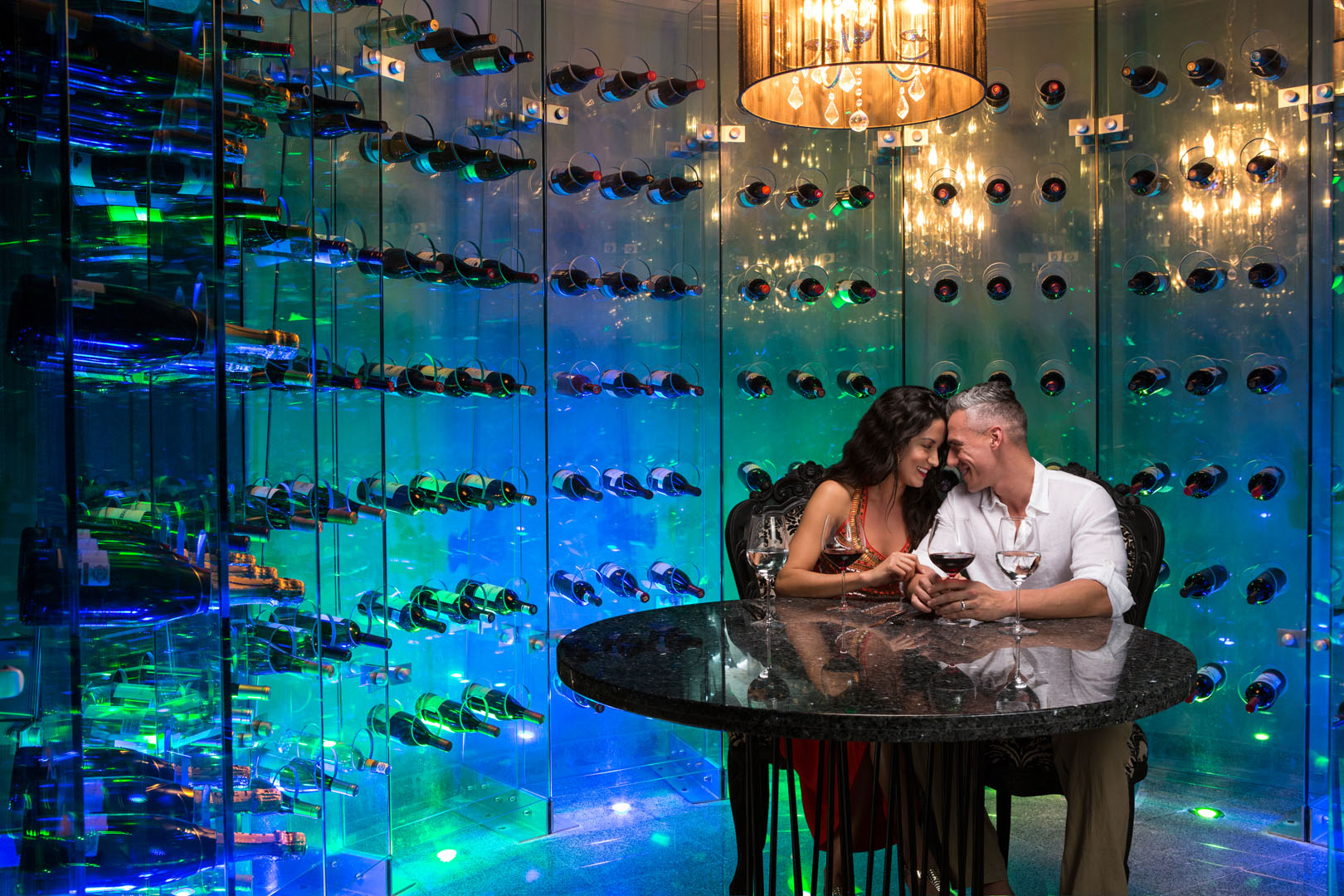 Karisma AZS_LeChique_Couple_Wine_Room_A