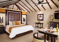 Karisma EDCR_Infinity_Pool_Swim_Up_Casita_Suite_3134_Bedroom