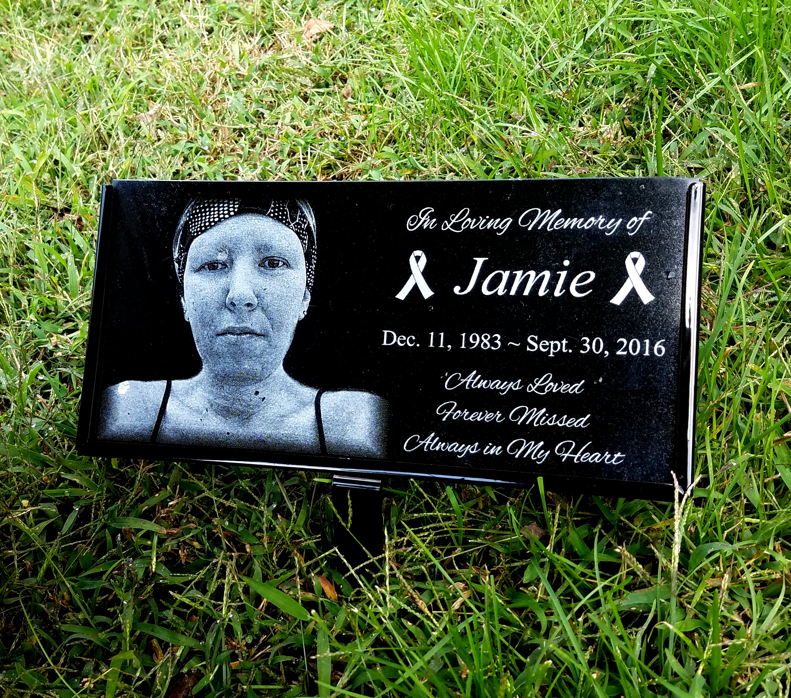 Cancer tribute memorial