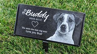 Custom engraved pet grave marker by petstonesusa.com