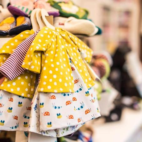 Où acheter des vêtements bébé éco-responsables et solidaires ?